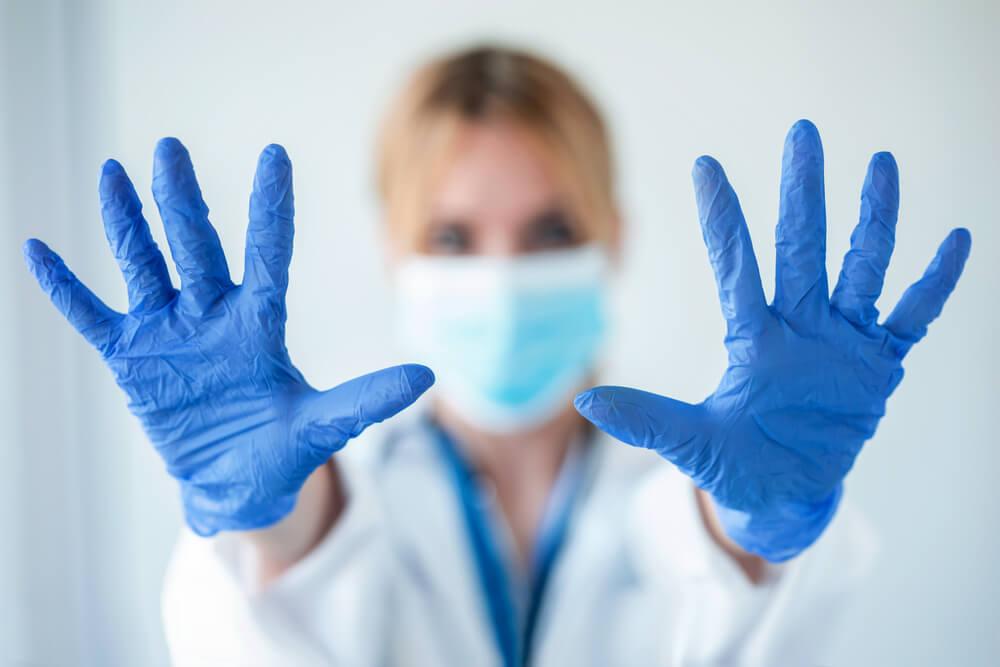 Достоинства нитриловых перчаток